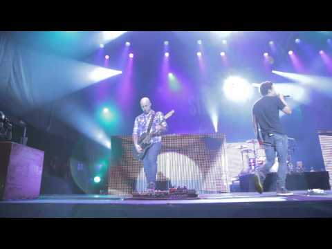 Simple Plan - This Song Saved My Life (Live in Quebec)