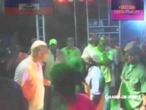 Prezidan Martelly sou Champ-De-Mars Kado-Kado Agogo 12/20/2011