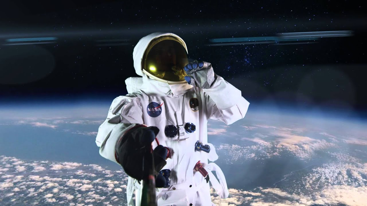 astronauts and the effects of space This is a common complaint of astronauts returning to earth, and scientists initially blamed the problem on fluids floating up through the body in low-gravity living.