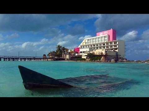 "Mexico's Beautiful ""Island of Women"" in the Caribbean (Isla Mujeres)"
