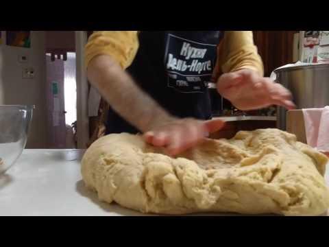 Полезные советы: Как долго вымешивать тесто на Пасху и как добавить изюм