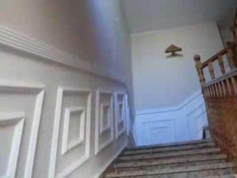 Como hacer zocalo de escayola en escalera youtube for Plafones de madera pared