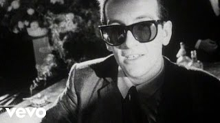 Watch Elvis Costello New Lace Sleeves video