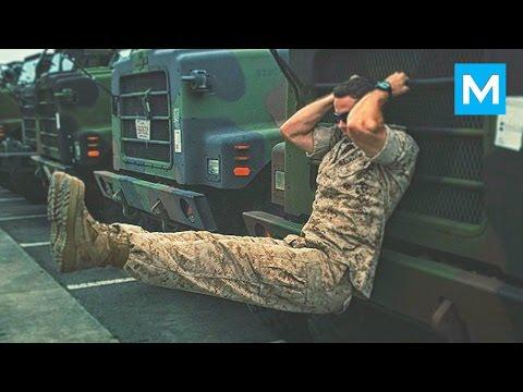 """""""Há hốc mồm"""" trước màn tập luyện phô diễn sức mạnh của anh lính Mỹ"""