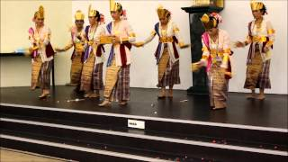 ACMI - Indonesian Dance - Sigeh Pengunten - Graduation 2013 Term 1