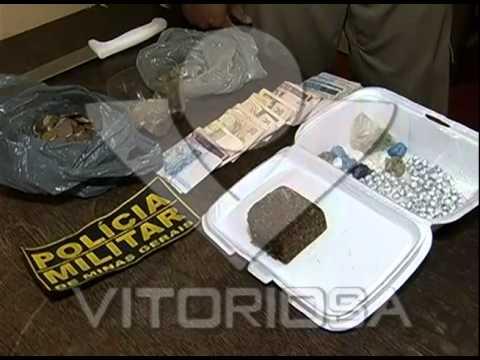 Quatro são presos com drogas no bairro Morada Nova