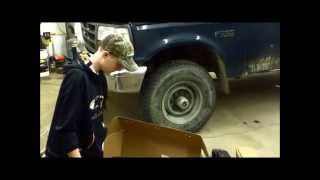 Rough Country 4'' Suspension Lift Kit Unboxing ('96 Ford F-250)