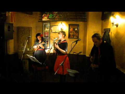 Uke Swingers (Pía Tedesco&Celia Bañón).MP4