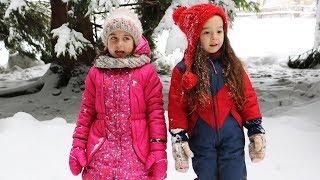 ემილი და რუსკა - თოვლის თეთრი ფანტელი (ოფიციალური კლიპი Emili TV-ზე) 🎼