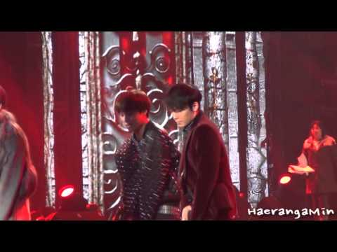 [Fancam] 121229 SBS 가요대전 Donghae Dance - SM the Performance
