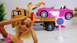 Bei Barbie läuft heute alles schief - Spielspaß mit Puppen