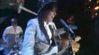 The Pretenders - Middle Of The Road