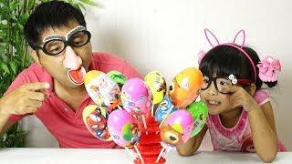 Bé Bún Bóc Trứng Học Màu Sắc - Trứng Bất Ngờ Người Nhện và Elsa Eggs | CreativeKids