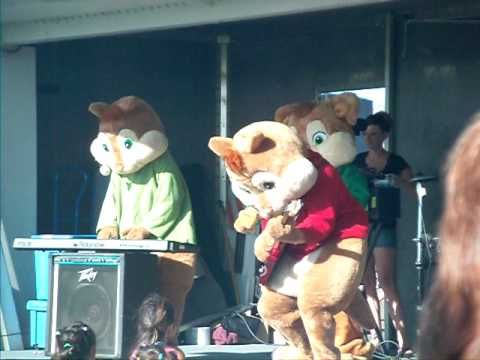 Alvine & The Chipmunks- Girl You Really Got Me Now w/ Honor Society