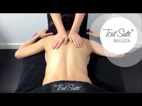 Masaje descontracturante de espalda, con estiramientos