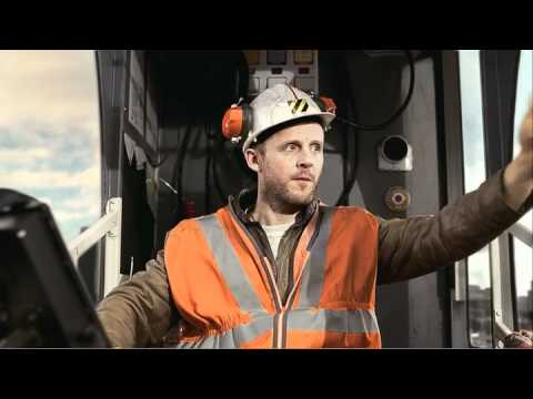 Kit Kat Crane Ad - Jan 2011 video