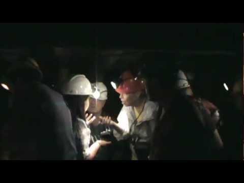 Manuel y Miguel al interior de la mina El Chiflón de Lota