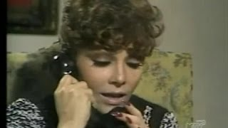 Veronica Castro with long nails in the series Cara a Cara