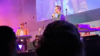 Rhett & Link Live at VidCon London - Travelling Song