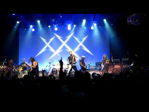 Metallica 30th anniversary w/ Dave Mustaine, Ron McGovney and Lloyd Grant 'Hit The Lights'