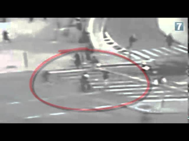 Watch: Security Cameras Show Jerusalem Mayor Nabbing Stabber Terrorist