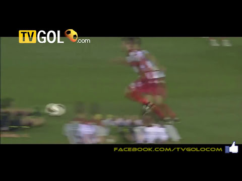 Valencia star Sergio Canales taken out by referee's sliding tackle! [Valencia vs Granada]
