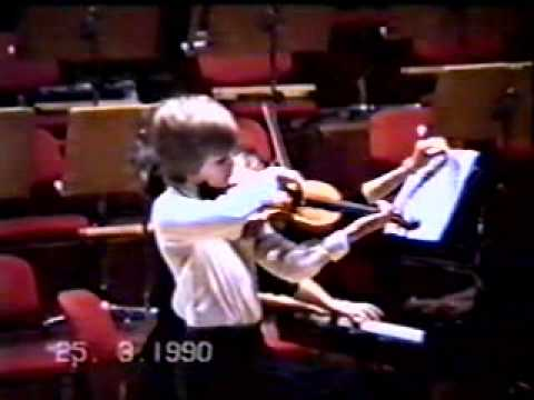 Johnny Gandelsman plays Schnittkes Suite in Old Style 1990