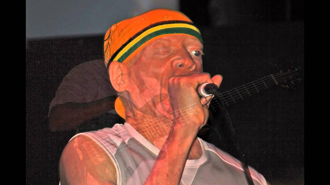 "Yellowman ""Zungguzungguguzungguzeng"" live 2011 part 7. - YouTube"