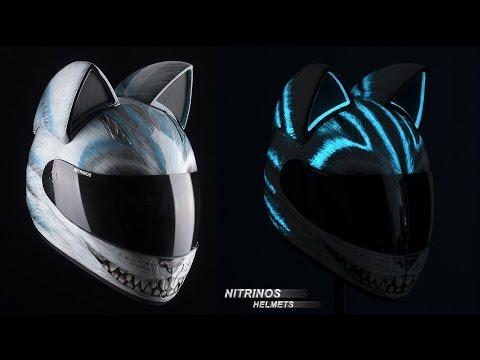 インパクト大な猫耳ヘルメットがカッコイイ♪