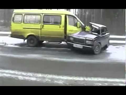 ВАЗ-2107 вынесло на встречную полосу