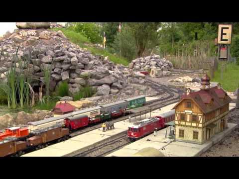 Eisenbahnspielen In Freier Natur. Garten- Und Parkbahnen Im Schwabenland