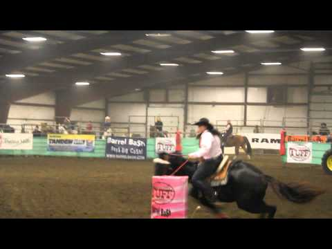 Chelsea Tanner & Dashin For Freedom - 1D 2nd Place @ Sherburn, MN Barrel Bash