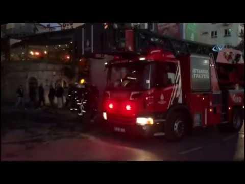 Beyoğlu'nda 4 Katlı Bir Metruk Bina Çöktü