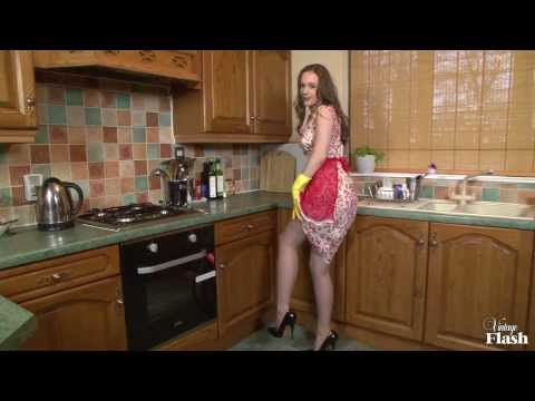 Aston Wilde washing up while wearing her favourite stockings!
