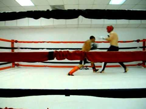Kickboxing sparring session Image 1