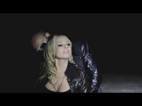 JUSTYNA MOSIEJ - Uwielbiam jego głos (official video)