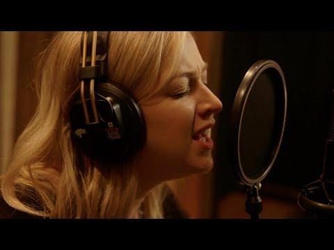 Blackbird Sings Trailer - Julia Sheer | Country Now