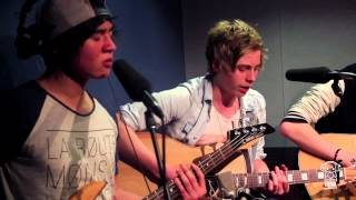 "5 Seconds of Summer ""As Long As You Love Me"" Nova Acoustic"