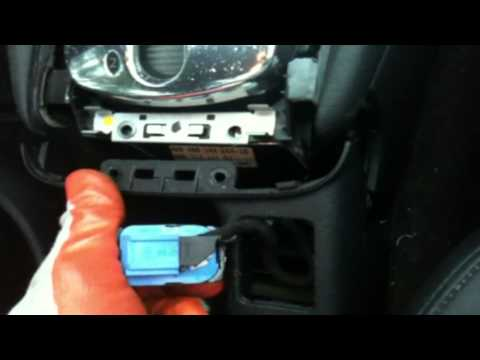 Audi 1999 A6 airbag unit removal part 1