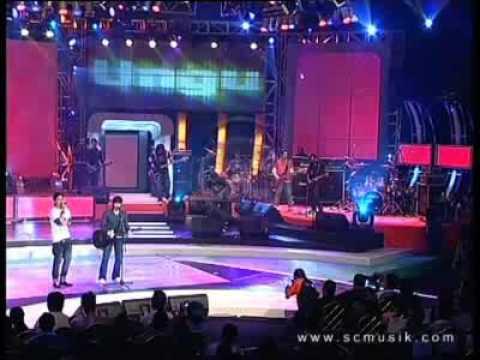 download lagu Ariel & Pasha Menunggumu gratis