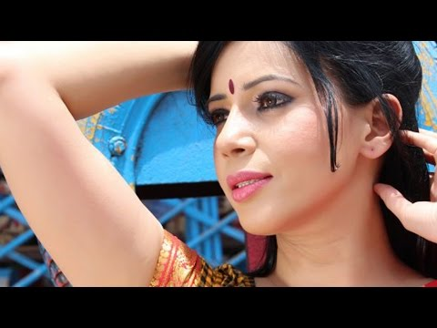 Savita Bhabi (rozlyn Khan) Makes Cool Banana Milk Shake To Beat The Summer..!! video