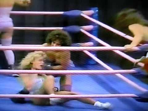 Americana & Debbie Debutante vs. Soul Patrol