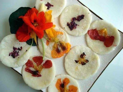 Sweet flower pancakes (