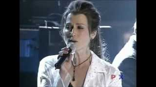Amy Grant, Michael W Smith sing Friends at 34th Dove Awards 2003