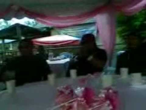 Bro  Lori  Layann   Lagu  Minang ...ayam Den  Lapeh  Live Concert By Local video
