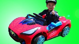 Lyndon Pretend Play with Spiderman Ride-On Car Toy