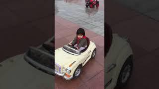 Bông lái ô tô