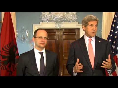 Kerry: Shqipëria partnere e fortë e NATO-s, bashkëpunim kundër ISIS- Ora News- Lajmi i fundit-