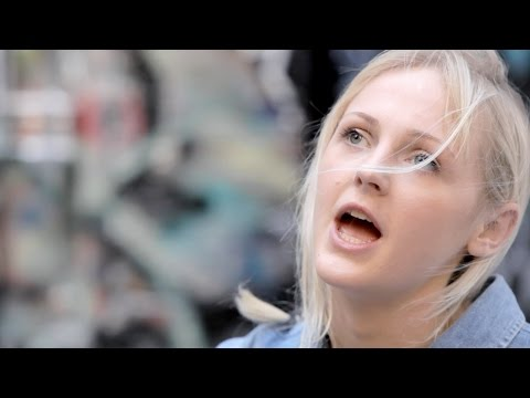 "Laura Marling ""Don't Ask Me Why / Salinas"" Live - Sideshow Alley"