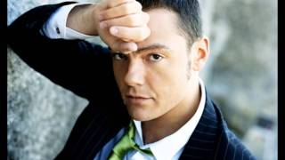 Watch Tiziano Ferro Giugno 84 video